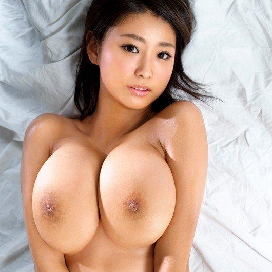 細身で巨乳という奇跡のボディでハメまくる、深田ナナ (1)