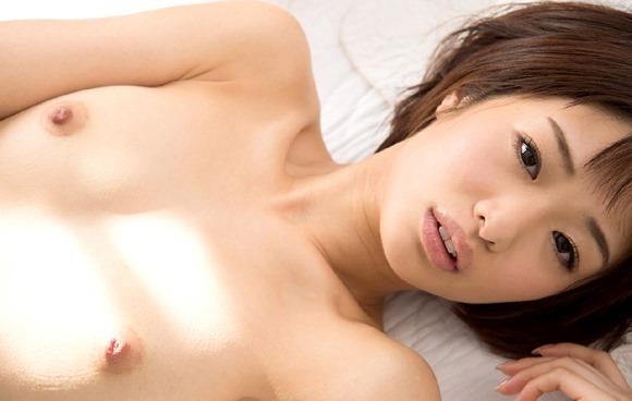 小さな乳房を震わせて激しくセックスする、川上奈々美 (4)