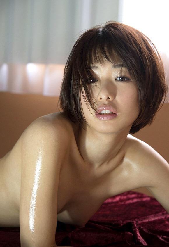 小さな乳房を震わせて激しくセックスする、川上奈々美 (7)