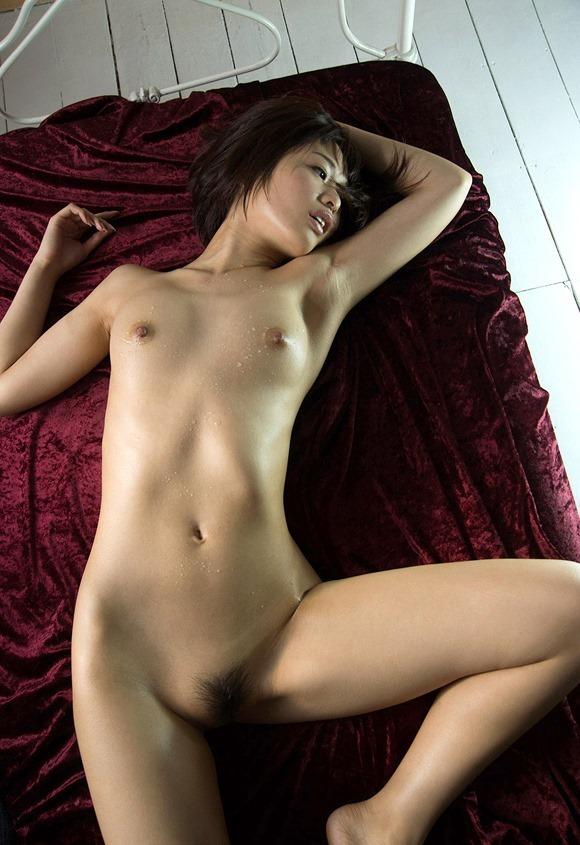 小さな乳房を震わせて激しくセックスする、川上奈々美 (8)