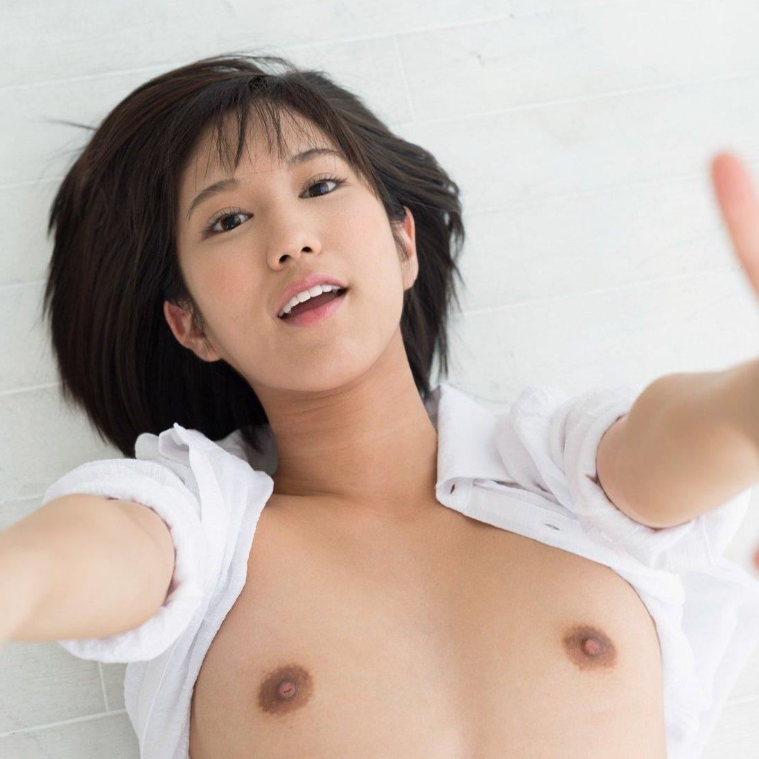 湊莉久、美乳&桃尻のスレンダー美少女が濃厚中出しセックス