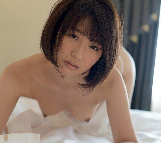 夏川あかり、透明感のある清楚系美少女が潮吹き濃密セックス