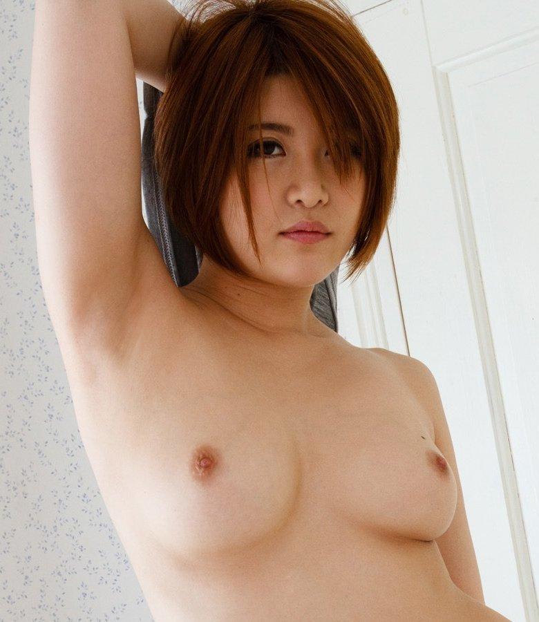 推川ゆうり、元グラドルの巨乳お姉さんが生中出しで痙攣SEX