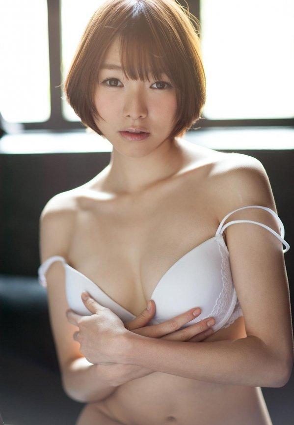 色白の肌をピンクに染めて絶頂セックス、涼川絢音 (5)