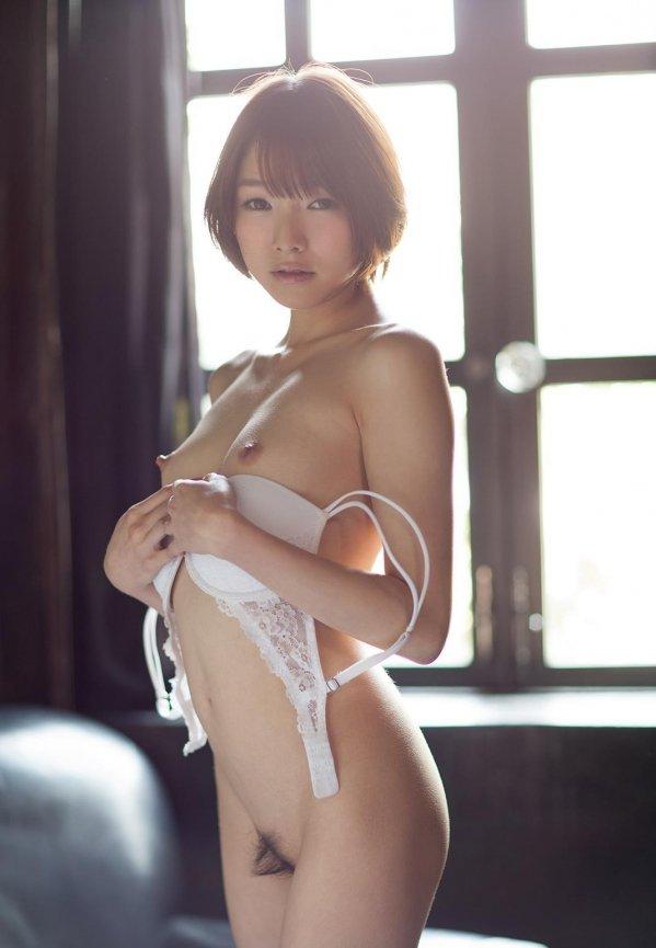 色白の肌をピンクに染めて絶頂セックス、涼川絢音 (6)
