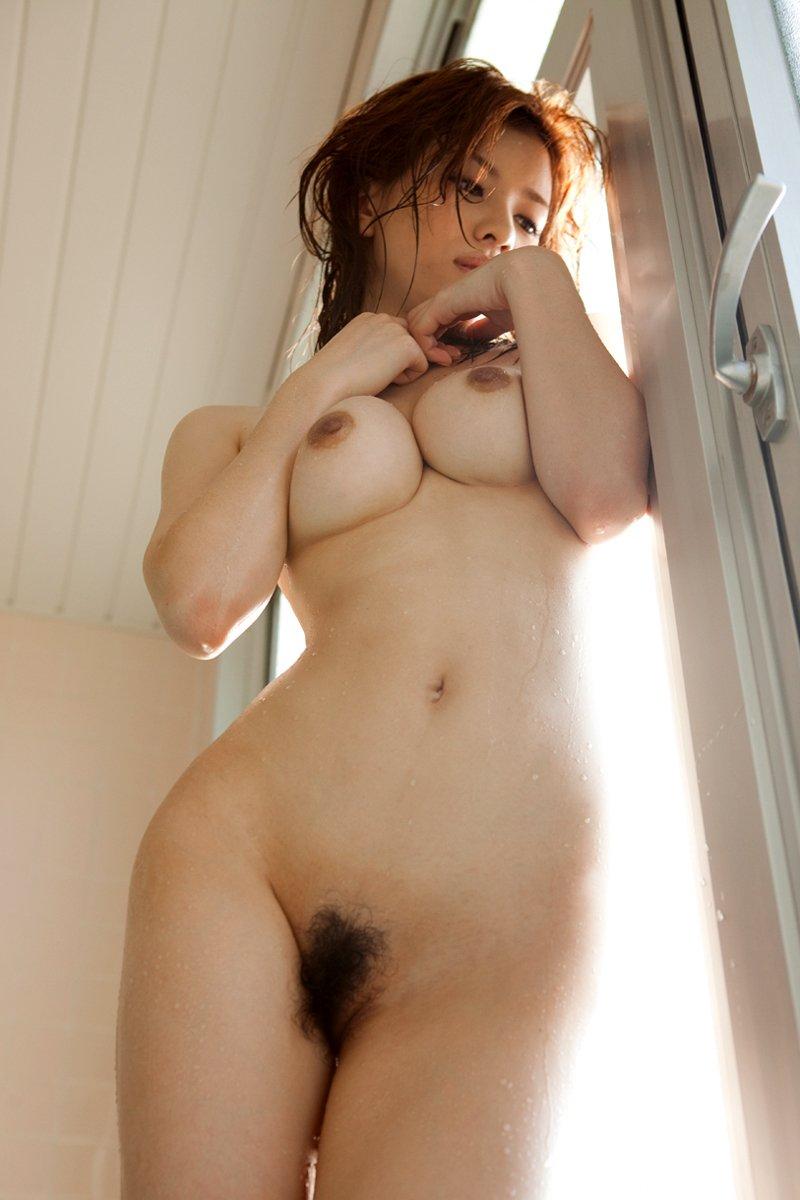 綺麗なフォルムの乳房が自慢のオッパイ (12)