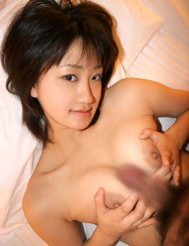 爆乳の乳房で挟み込んで刺激されるとイッちゃいそう (6)
