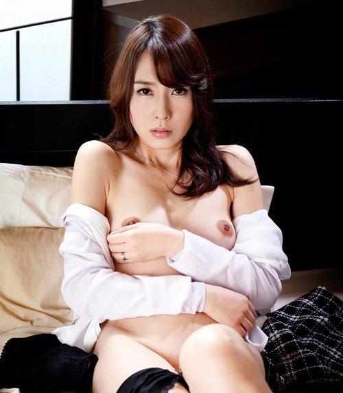 セックスレスの奥様が我慢できずにハメまくる、今井真由美 (1)