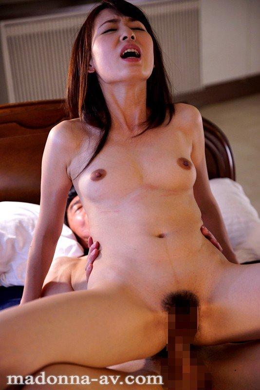 セックスレスの奥様が我慢できずにハメまくる、今井真由美 (19)