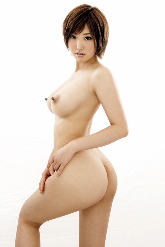 乳房がデカいのに華奢な体というナイスバディ (16)