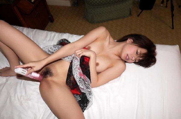 小柄なボディを激しく使って濃厚性交、麻里梨夏 (9)