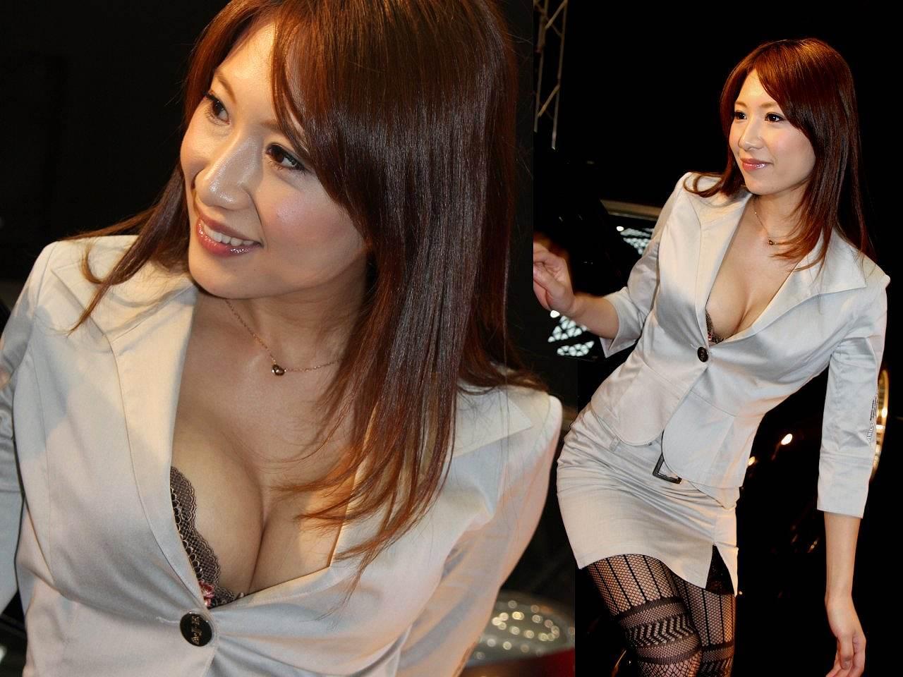 乳首や下着が見えちゃっているレースクイーン (7)