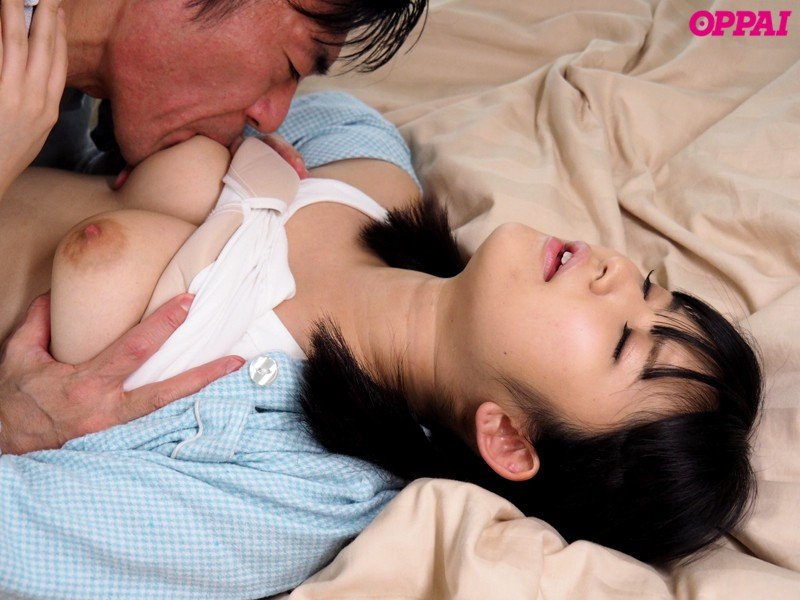 黒髪の清楚な女の子が激しくSEX、浅田結梨 (11)