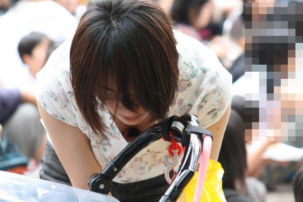 若奥様の母乳が出そうなデカパイ (11)