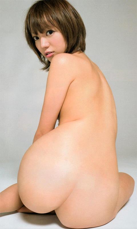 ヒップラインが芸術的な全裸姿 (19)