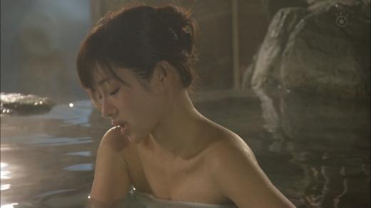 温泉や風呂に入るアイドルや女優がセクシー (8)