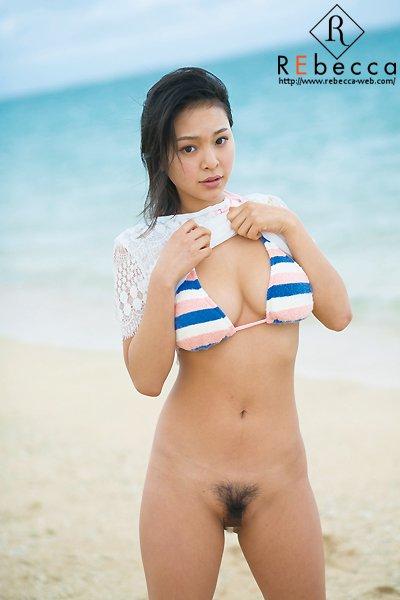 モデル体型でデカパイの美人が激イキ、南真菜果 (9)