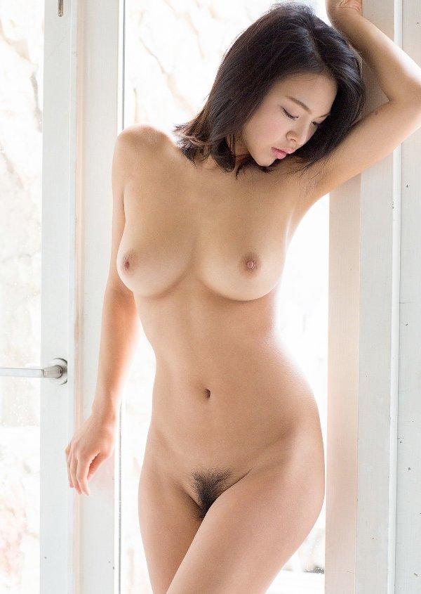 モデル体型でデカパイの美人が激イキ、南真菜果 (6)