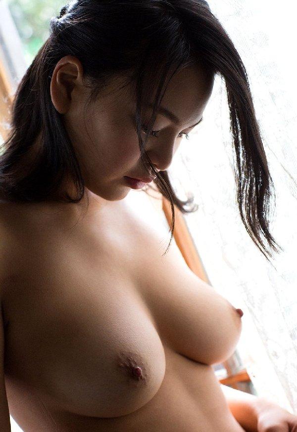モデル体型でデカパイの美人が激イキ、南真菜果 (4)