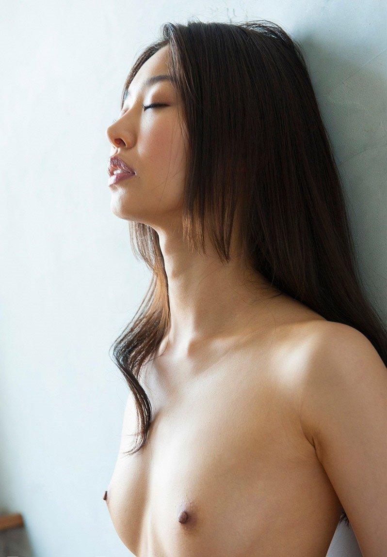 細身の体で激しいSEXをする、夏目彩春 (6)