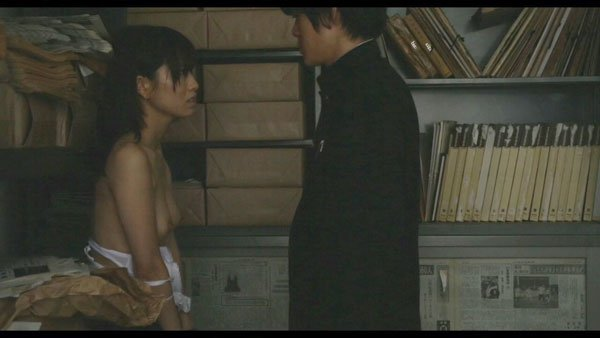 映画で美しい芸能人たちが裸の演技で魅せる (11)