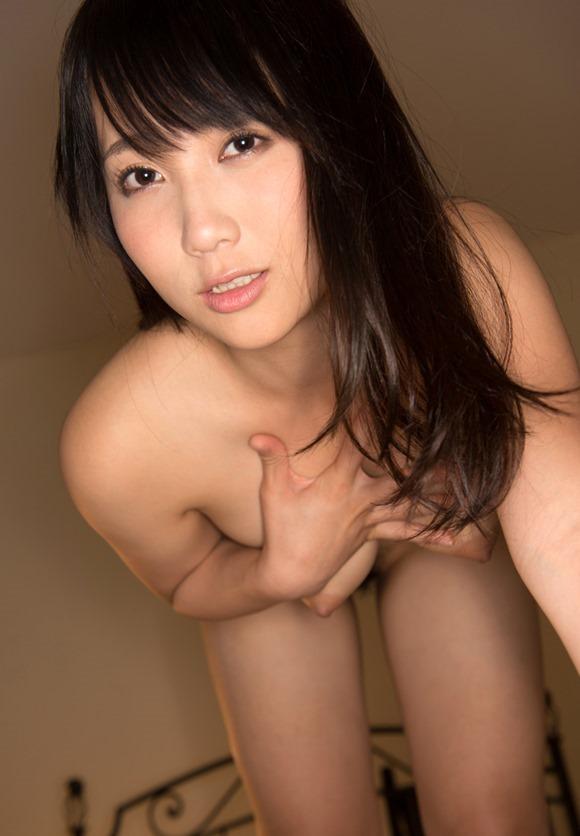 肉感的なボディで濃厚なSEXをしちゃう、倉多まお (4)