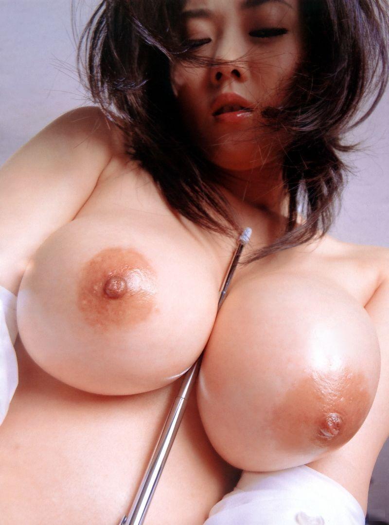 デカい乳房を思いっきり掴んでみたい (5)