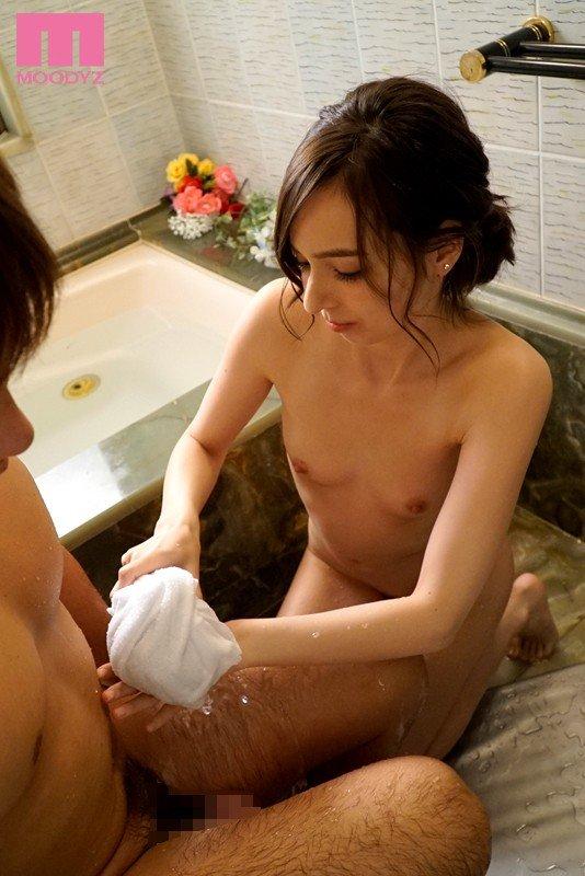 細身のボディで激しくSEXしまくる、西田カリナ (3)