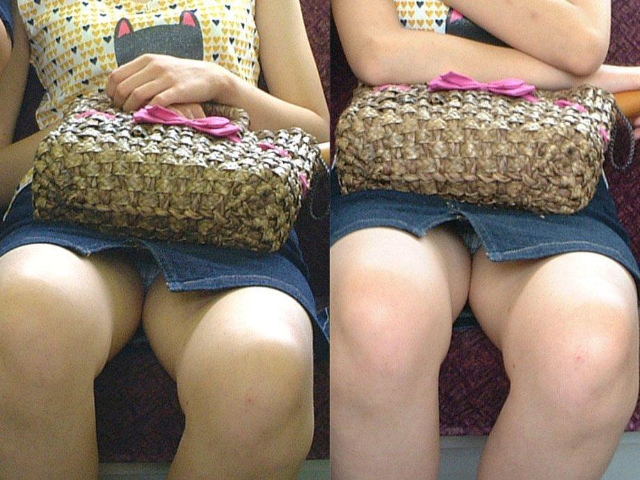 シート正面の無防備な女の子は下着がチラチラ (13)
