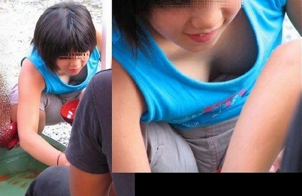 谷間や乳頭を観察したくなる女の子 (17)