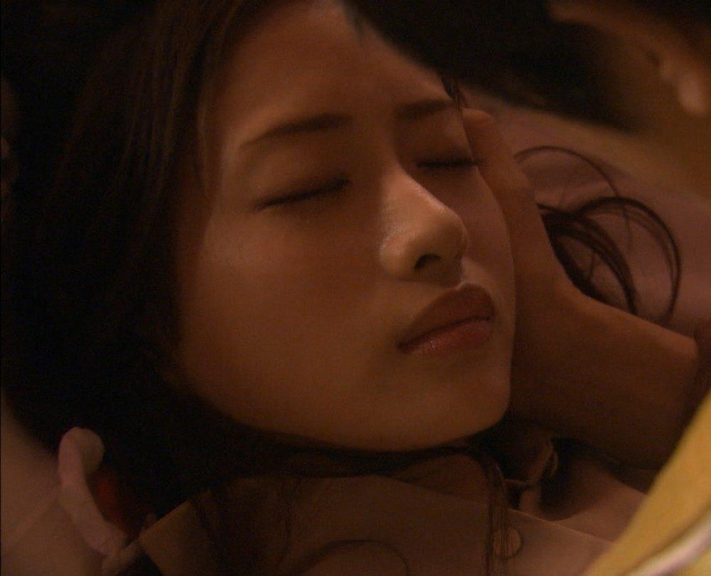 こんなキュートな女の子とキスしたい (14)