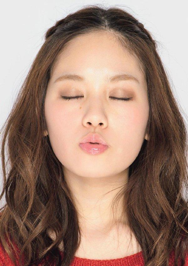 こんなキュートな女の子とキスしたい (2)