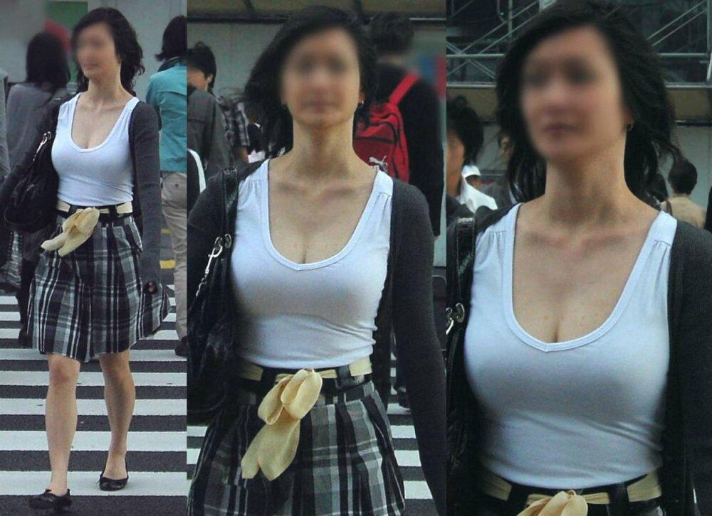 乳頭が浮き出てしまった着衣の女の子 (13)