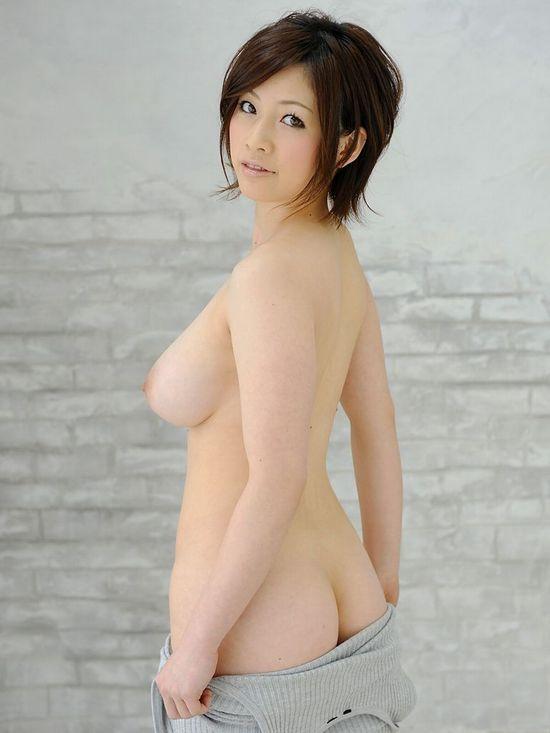 スレンダー巨乳のお姉さんが潮吹きSEX、奥田咲 (3)