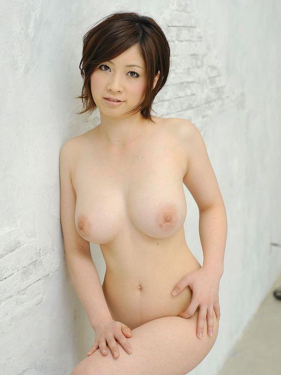 スレンダー巨乳のお姉さんが潮吹きSEX、奥田咲 (4)