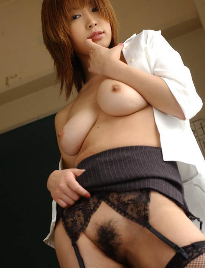 セクシーすぎる先生が教室にいたら我慢できない (5)