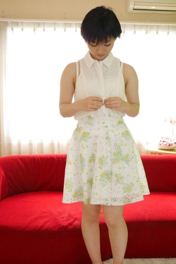 可憐な女の子がSEXに目覚めちゃった、柚木彩花 (2)