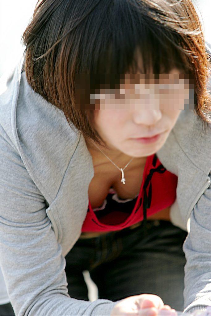 若い奥さんのデカい乳房がエロい (17)