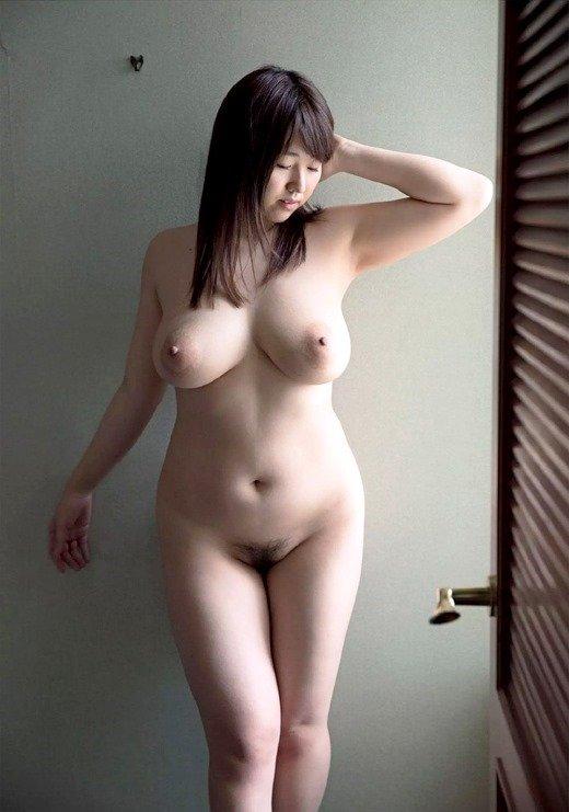 巨乳を揺らして悶絶SEXをする、松本菜奈実 (10)