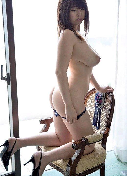 巨乳を揺らして悶絶SEXをする、松本菜奈実 (8)