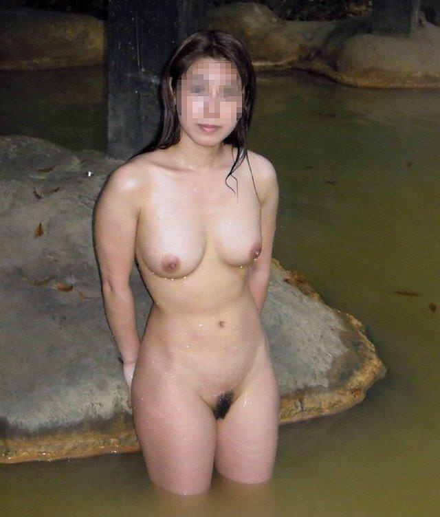 露天風呂の女の子を記念撮影しちゃった (5)