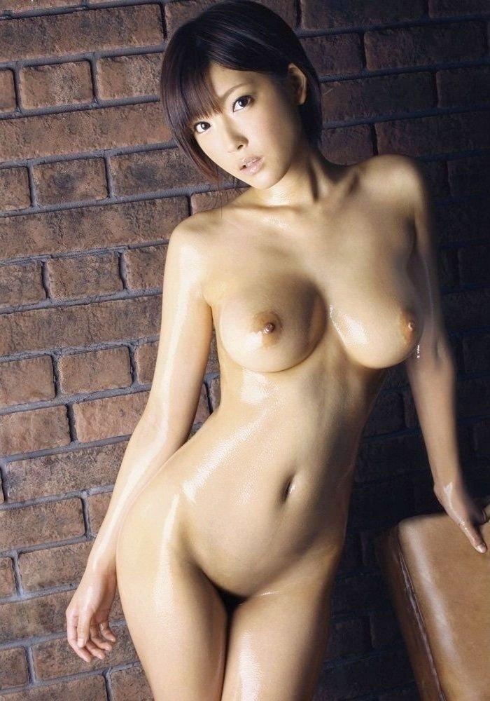 股間をツルツルにしている女の子 (18)