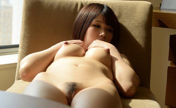 キュートな女の子がハードプレイで膣内射精、涼宮琴音 (4)