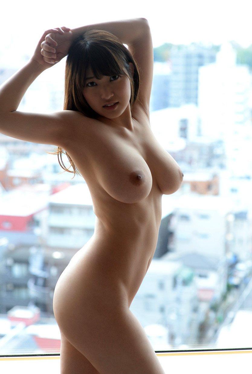 でっかくて柔らかい乳房 (12)