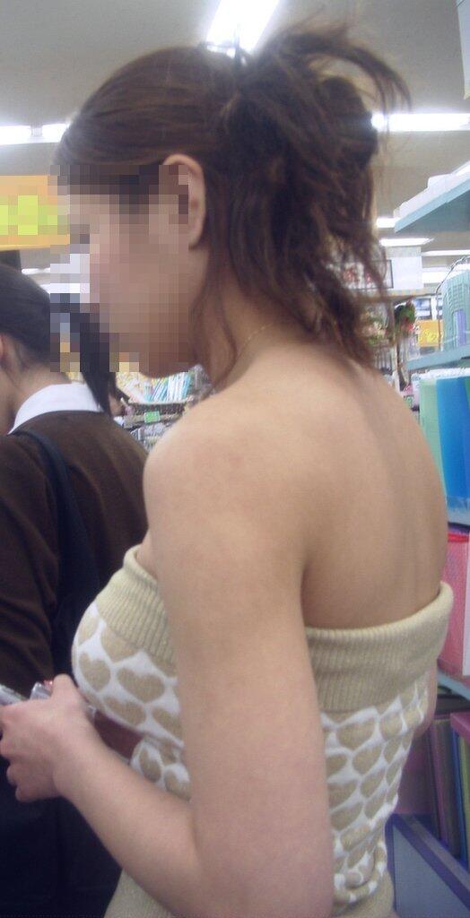 乳房がハチ切れそうなくらい膨らんでる素人さん (4)