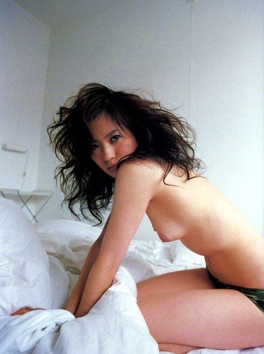 美しい芸能人の全裸に見惚れちゃう (7)