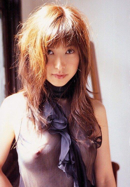 スケスケの下着を着て乳首も見えまくりな女の子 (17)