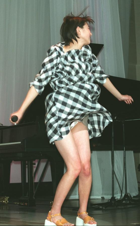 TVでアイドルの下着が見えた (4)