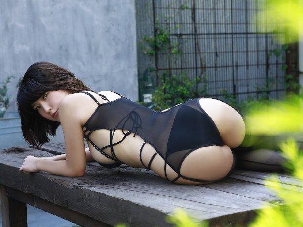 グラビアアイドルのエロいケツ (17)