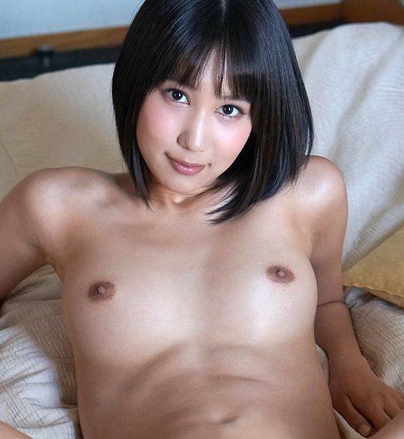 可愛い顔して淫乱プレイ、湊莉久 (1)